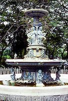 Singapore: Victorian fountain sculpture. Photo '82.