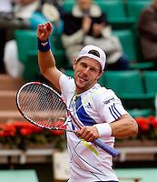 Jurgen Melzer (AUS) (22) against Teimuraz Gabashvili (RUS) in the third round of the men's singles. Jurgen Melzer beat Teimuraz Gabashvili 7-6 4-6 6-1 6-4..Tennis - French Open - Day 9 - Mon 31 May 2010 - Roland Garros - Paris - France..© FREY - AMN Images, 1st Floor, Barry House, 20-22 Worple Road, London. SW19 4DH - Tel: +44 (0) 208 947 0117 - contact@advantagemedianet.com - www.photoshelter.com/c/amnimages