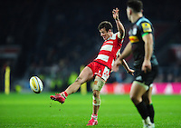 Billy Burns of Gloucester Rugby kicks for touch. Aviva Premiership match, between Harlequins and Gloucester Rugby on December 27, 2016 at Twickenham Stadium in London, England. Photo by: Patrick Khachfe / JMP
