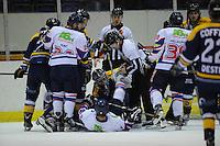 IJSHOCKEY: HEERENVEEN: THIALF: 16-01-2013, Friesland Flyers - Tilburg Trappers, Eindstand 1-3, Michael Nason (# 9) gevloerd, ©foto Martin de Jong
