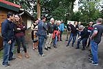 Foto: VidiPhoto<br /> <br /> LAAG SOEREN - Momentopname van de afdelingsbijeenkomst van de LTO-afdeling Rheden. De avond werd begonnen met klootschieten en afgesloten met een BBQ.