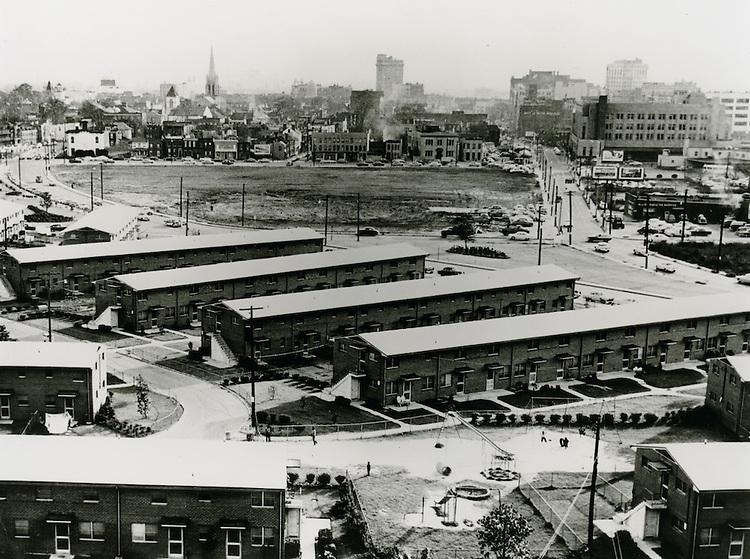 1956 November 14..Assisted Housing.....CAPTION..Orbey Kelley.NEG# MDA71-164-16.NRHA# 362-A..