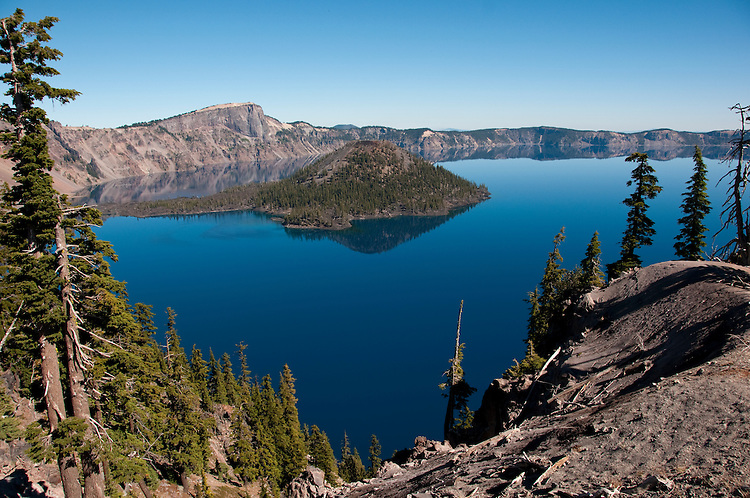 Crater Lake National Park, Oregon.  Showing Wizard Island.  Photo copyright Lee Foster.  Photo # oregon-crater-lake-oregon105746