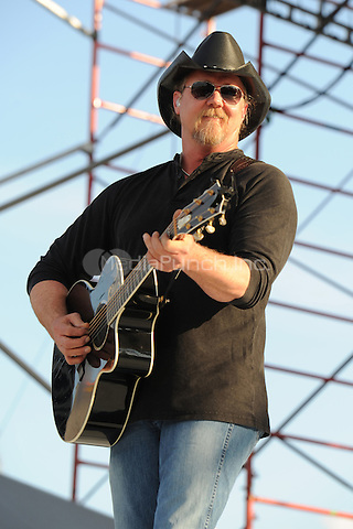 Trace Adkins performs at the 99.9 Kiss Country Chili Cookoff concert held at C.B. Smith park on January 30, 2011 in Pembroke Pines Florida. © MediaPunch Inc. / MPI04