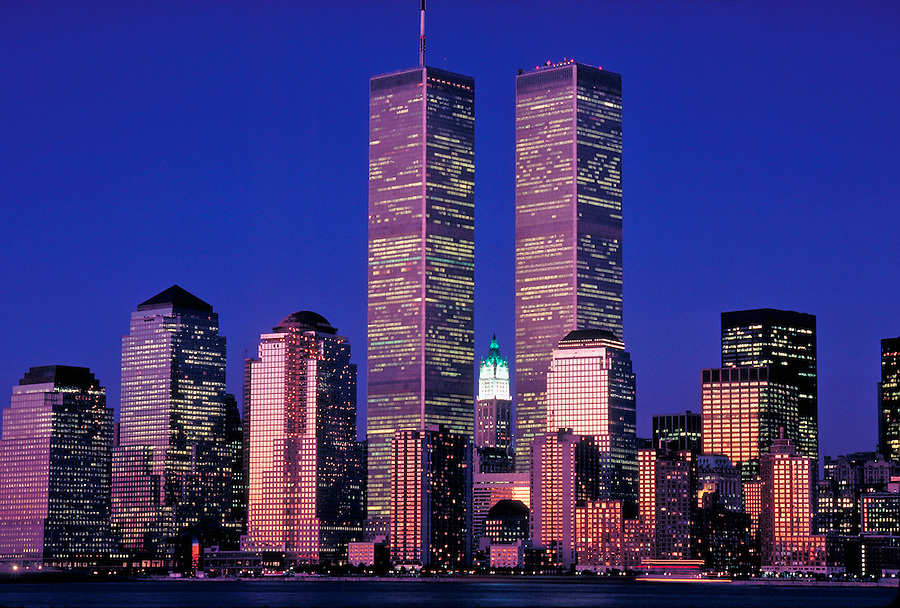 Twin Towers of the World Trade Center, designed by Minoru Yamasaki, Hudson River, Manhattan, New York City, New York, USA, Dusk