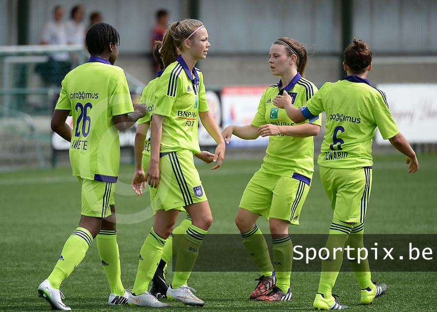 20150808 - ZULTE , BELGIUM : Anderlecht pictured celebrating after a goal during a friendly soccer match between the women teams of Zulte-Waregem and RSC Anderlecht  , during the preparations for the 2015-2016 SUPERLEAGUE season, Saturday 8 August 2015 . PHOTO DAVID CATRY