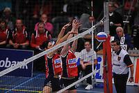 VOLLEYBAL: SNEEK: Sneker Sporthal, DELA League Play-Off Finale, 4e wedstrijd, 01-04-2012, VC Sneek DS1 - Sliedrecht Sport DS1, eindstand 1-3, blok van Martha Maltha (#9   VC Sneek) en Roos van Wijnen (#11   VC Sneek), ©foto Martin de Jong
