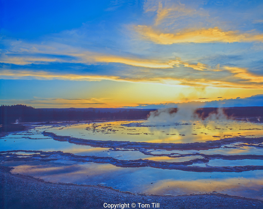 Great Fountain Geyser, Yellowstone National Park, Wyoming, Huge pool geyser,  upper Geyser Basin
