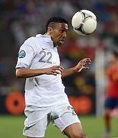 FUSSBALL  EUROPAMEISTERSCHAFT 2012   VIERTELFINALE Spanien - Frankreich      23.06.2012 Gael Clichy (Frankreich) Einzelaktion am Ball