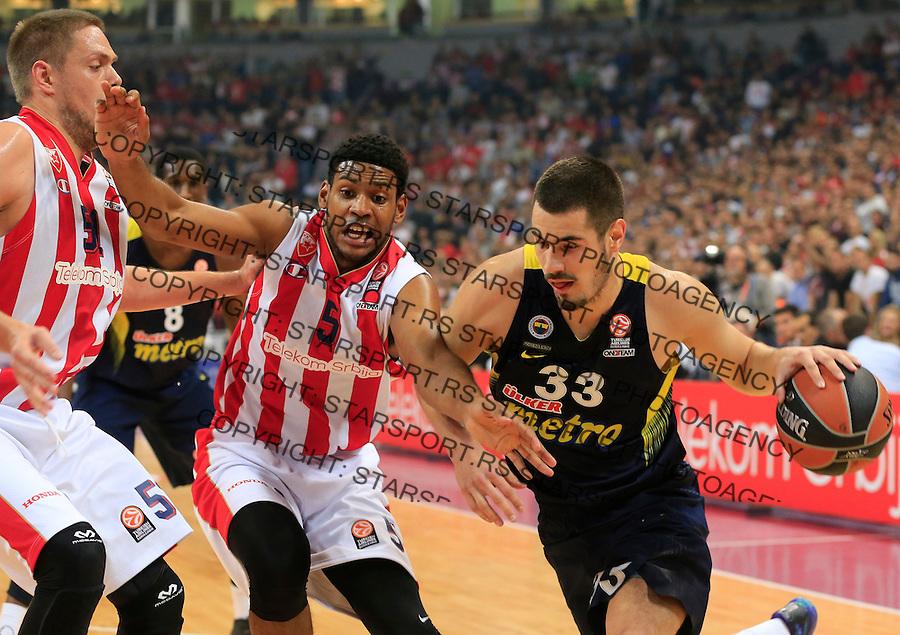 Kosarka Euroleague season 2015-2016<br /> Euroleague <br /> Crvena Zvezda v Fenebahce Istanbul<br /> Nikola Kalinic Ryan Thompson (C) and Vladimir Stimac (L)<br /> Beograd, 06.11.2015.<br /> foto: Srdjan Stevanovic/Starsportphoto &copy;