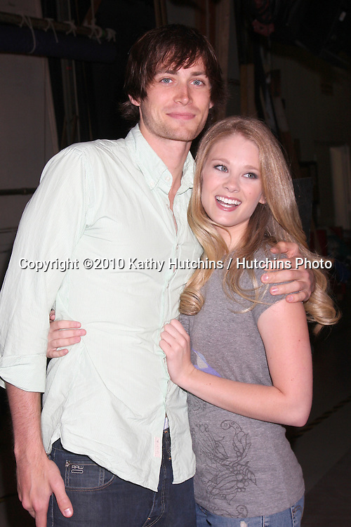 """Zack Conroy & Kimberly Matula.Guinness World Records®  presents THE BOLD AND THE BEAUTIFUL with the certification as the  """"Most Popular Daytime TV Soap - Current..Bold & Beautiful Set, Stage 31, CBS Televsion CIty.Los Angeles, CA.May 18, 2010.©2010 Kathy Hutchins / Hutchins Photo.."""