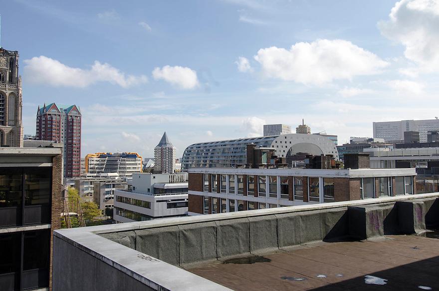 10okt2014<br /> Uitzicht over Rotterdam met oude en nieuwe gebouwen, waaronder de nieuwe markthal.<br /> (c)renee teunis