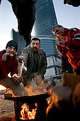 Turkish construction workers cook meal in Moscow City