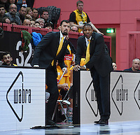 Basketball  1. Bundesliga  2016/2017  Hauptrunde  12. Spieltag  04.12.2016 Walter Tigers Tuebingen - ratiopharm Ulm Trainer Tyron McCoy (re, Tigers) und Co Trainer Aleksandar Nadjfeji (Tigers)