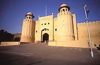 Pakistan Lahore1986..Lahore Fort gateway