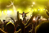 Cuernavaca, Morelos. 17 de Diciembres de 2015.-  Esta noche como parte de gira  'CT + Z'. Las bandas mexicanas Zo&eacute; y Caf&eacute; Tacvba se presentaron en la explanada del parque Beraka, ante m&aacute;s de 5 mil personas que disfrutaron el concierto por m&aacute;s de 2 horas y media de las &iacute;cono as bandas del rock mexicano. <br /> <br /> En la imagen el grupo Caf&eacute; Tacvba.<br /> <br /> <br /> Fotos: No&eacute; Knapp