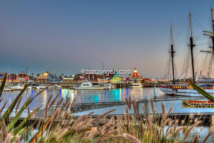 Long Beach, CA, Skyline, Dusk, Night, Shoreline Marina, Rainbow Harbor, Parkers' Lighthouse,