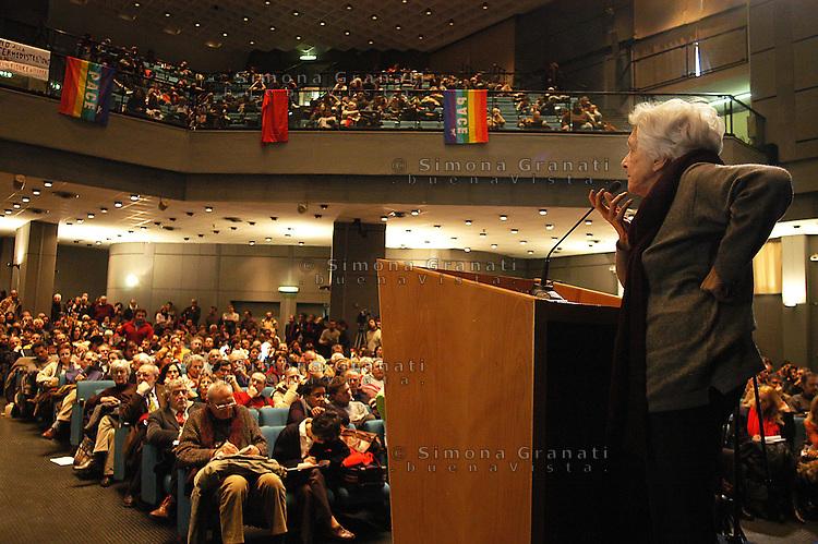 """Roma 15 Gennaio 2004.Fiera di Roma.""""VERSO SINISTRA""""   Assemblea..Rossana Rossanda, Fondatrice del Quotidiano Il Manifesto"""