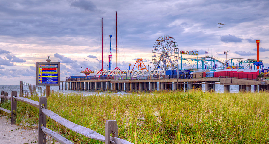 Atlantic City World-famous Boardwalk, Sand, Resort hotels,  Architecture;  New Jersey; Seaside Resort; Atlantic City Steel Pier,