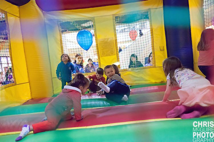 02/12/12 - Kalamazoo, MI: Kalamazoo Baby & Family Expo.  Photo by Chris McGuire.  R#40