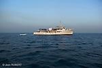 africa queen boat.le bateau africa queen.onstruit à Dunkerque dans les années 50 pour servir en Mer du Nord, cette  corvette en acier navique depuis plus de vint ans dans les bijagos