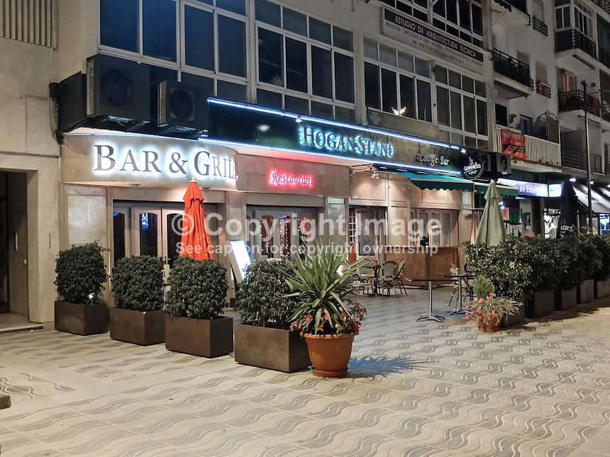 Image gallery irish pub marbella spain for Stand pub