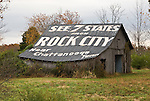 See 7 States from Rock City near Chattanooga, Tenn. painted on roof of wooden barn in rural Tennessee.