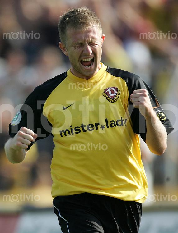 Fussball, Regionalliga, 1. FC Dynamo Dresden - Borussia Dortmund II, Samstag (20.09.06), Rudolf - Harbig - Stadion in Dresden. Dresdens Pavel David jubelt nach seinem Tor zum 1:0.
