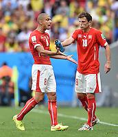 FUSSBALL WM 2014  VORRUNDE    Gruppe D     Schweiz - Ecuador                      15.06.2014 Goekhan Inler (li) und Admir Mehmedi (re, beide Schweiz)