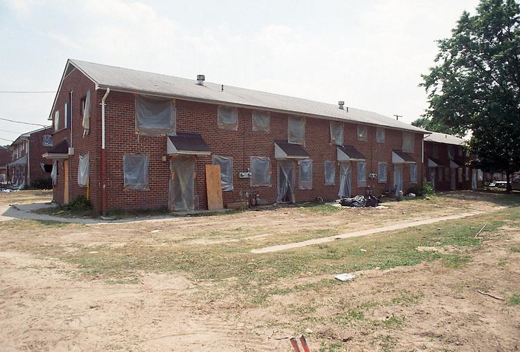 1993 June 21..Assisted Housing..Diggs Town (6-6)..Interim.Exterior ready for asbestos/lead abatement...NEG#.NRHA#..HOUSING: DiggsTn1 19:16