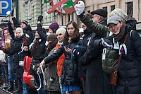 Moscow, Russia, 26/02/2012..Tens of thousands of people form a 16-kilometre [10-mile] human chain along Moscow's Garden Ring Road in the latest protest against Prime Minister Vladimir Putin and his presidential election campaign. Opposition activists estimated that they needed 34,000 people to complete the chain and symbolically encircle central Moscow.