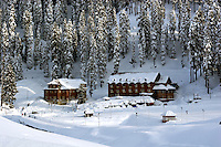 Gulmarg is served by a variety of hotels. On the right is the government owned Hilltop, and on the left the Hotel Green Heights.