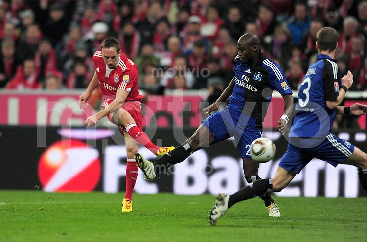 Fussball 1. Bundesliga :  Saison   2009/2010   24. Spieltag   FCB , FC Bayern Muenchen - Hamburger SV   28.02.2010 TOR zum 1:0 ,  Franck Ribery  (li., FCB) gegen Guy Demel (HSV)