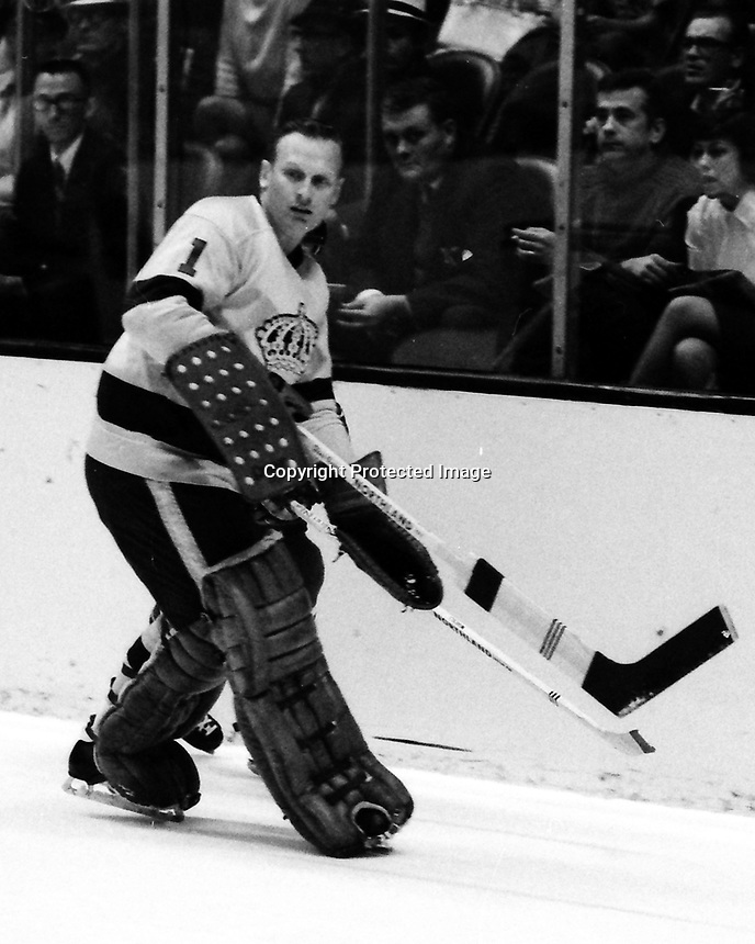 Los Angeles Kings goalie Wayne Rutledge (1969 photo by Ron Riesterer)