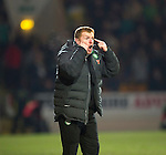 St Johnstone v Celtic.....19.02.13      SPL.Neil Lennon goes nuts.Picture by Graeme Hart..Copyright Perthshire Picture Agency.Tel: 01738 623350  Mobile: 07990 594431