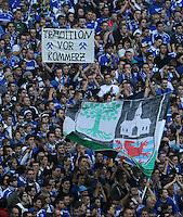 FUSSBALL   1. BUNDESLIGA   SAISON 2011/2012    6. SPIELTAG FC Schalke 04 - FC Bayern Muenchen                       18.09.2011 Schalker Fans mit einem Plakat TRADITION VOR KOMMERZ