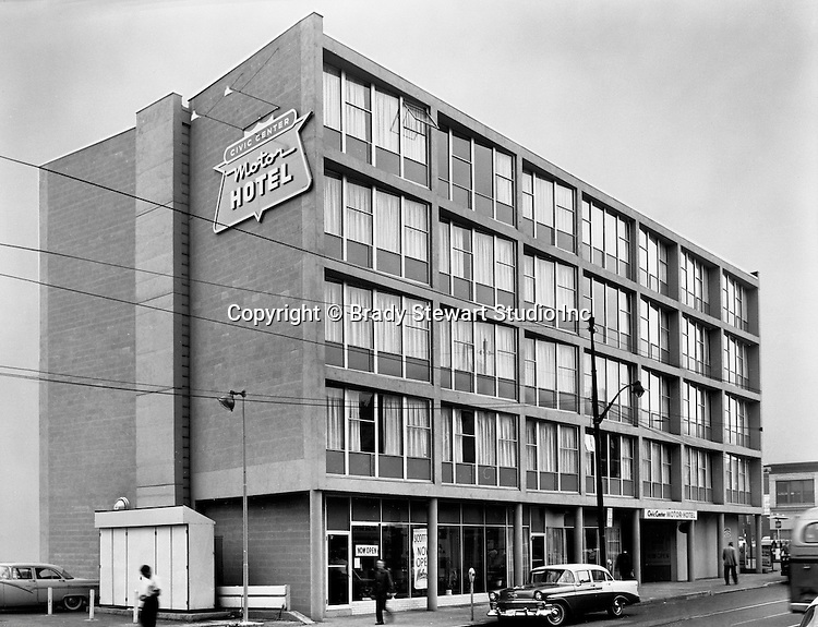 Oakland Section of Pittsburgh:  View of the new Civic Center Motor Hotel near the University of Pittsburgh on Forbes Avenue - 1957.  The building was condemed and demolished in the 1970s to make room for new university buildings.