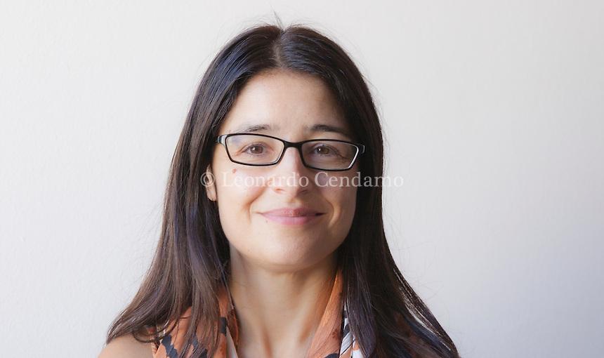 """Francesca Bellino · è scrittrice, giornalista e reporter di viaggio. Collabora con diverse testate, tra cui """"Il Mattino"""" e """"Reset"""", e cura un blog su """"Huffington Post"""". Mantova Festivaletteratura 2016. © Leonardo Cendamo"""