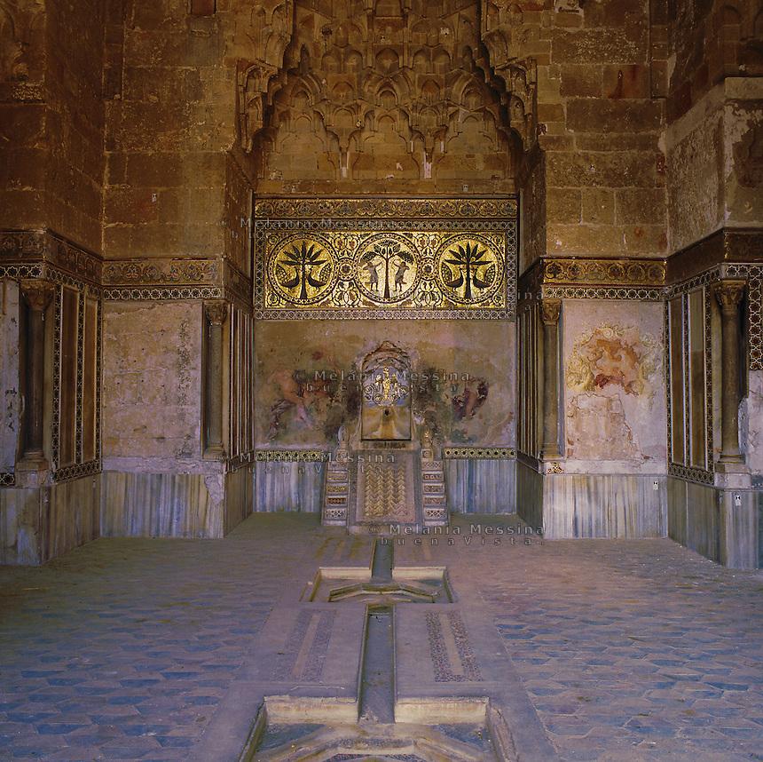 Palermo, Zisa castle, 12th century, &quot;hall of fountain&quot;.<br /> Palermo, castello della Zisa,  XII sec, &quot;sala delle fontane&quot;.