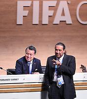 Fussball International Ausserordentlicher FIFA Kongress 2016 im Hallenstadion in Zuerich 26.02.2016 Scheich Ahmad Al Fahad AL SABAH (re, Kuwait, FIFA-Exekutivkomitee) und Kohzo TASHIMA  (hinten, Japan, FIFA-Exekutivkomitee)