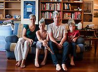 De-licing family portrait, antiguoa golf, getxo, bilbao.