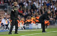 FUSSBALL  CHAMPIONS LEAGUE  HALBFINALE  RUECKSPIEL  2012/2013      Real Madrid - Borussia Dortmund                   30.04.2013 Emotional an der Seitenlinie: Trainer Juergen Klopp (li, Borussia Dortmund) und Trainer Jose Mourinho (re, Real Madrid)
