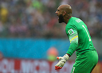 Tim Howard of USA urgers his team on