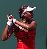 Venus WILLIAMS (USA) against Roberta VINCI (ITA) in the second round of the women's singles. Williams beat Vinci 6-1 6-4..International Tennis - 2010 ATP World Tour - Sony Ericsson Open - Crandon Park Tennis Center - Key Biscayne - Miami - Florida - USA - Sat 27 Mar 2010..© Frey - Amn Images, Level 1, Barry House, 20-22 Worple Road, London, SW19 4DH, UK .Tel - +44 20 8947 0100.Fax -+44 20 8947 0117