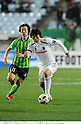 (R-L) Kim Bo-Kyung (Cerezo), Lee Seung-Hyun (Jeonbuk), APRIL 20th, 2011 - Football : AFC Champions League Group G match between Jeonbuk Hyundai Motors 1-0 Cerezo Osaka at Jeonju World Cup Stadium in Jeonju, South Korea. (Photo by Takamoto Tokuhara/AFLO).