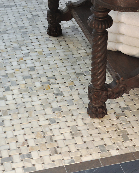 "Basketweave 3x5 cm in tumbled Calacatta Baroque and Montevideo with 3"" x 6"" Bardiglio and 2"" x 6"" Montevideo honed border"
