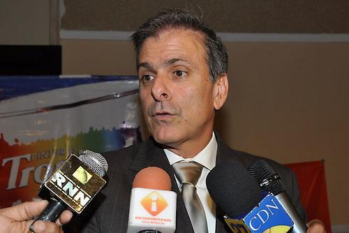 Los industriales de Herrera proponen poner atención a la crisis económica mundial