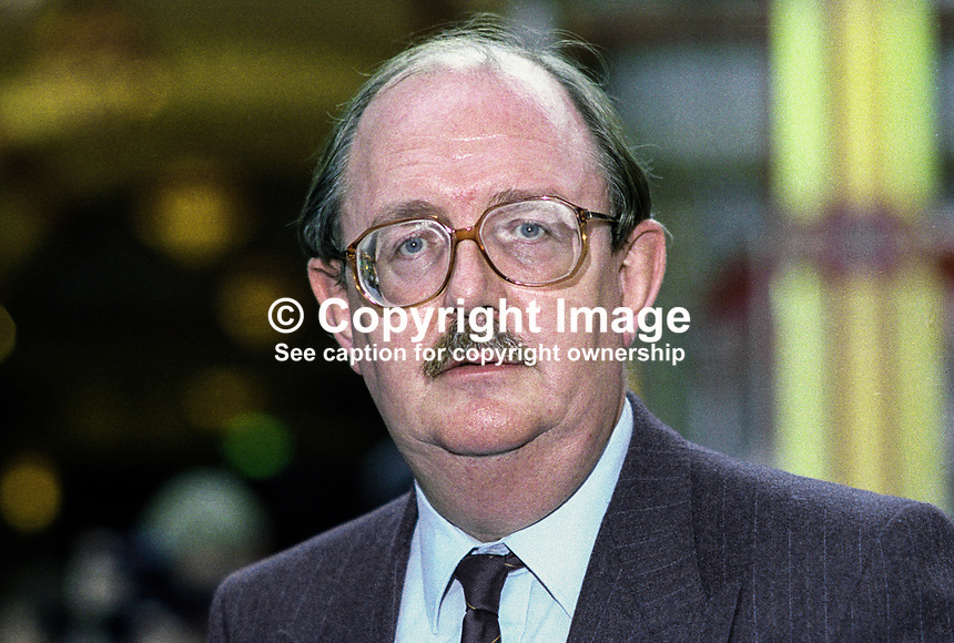 John Edmonds, general secretary, GMBATU, trade unionist, at annual conference, Labour Party, October 1992, UK. 19921010JE.<br /> <br /> Copyright Image from Victor Patterson, 54 Dorchester Park, Belfast, UK, BT9 6RJ<br /> <br /> t1: +44 28 9066 1296 (from Rep of Ireland 048 9066 1296)<br /> t2: +44 28 9002 2446 (from Rep of Ireland 048 9002 2446)<br /> m: +44 7802 353836<br /> <br /> e1: victorpatterson@me.com<br /> e2: victorpatterson@gmail.com<br /> <br /> The use of any of my copyright images is subject to my Terms &amp; Conditions.<br /> <br /> It is IMPORTANT that you familiarise yourself with them. They are available on my website, victorpatterson.com.<br /> <br /> None of my copyright images may be used on the Internet unless they are visibly watermarked, i.e. &copy; Victor Patterson within the body of the image. Metadata denoting my copyright must NOT be deleted. <br /> <br /> Web use is extra at currently recommended NUJ rates.