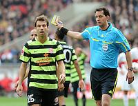 FUSSBALL  1. BUNDESLIGA  SAISON 2011/2012  29. Spieltag   07.04.2012 VfB Stuttgart - 1. FSV Mainz Andreas Ivanschitz (li, 1. FSV Mainz 05) enttaeuscht ueber eine Entscheidung von Schiedsrichter Mauel Graefe (re)