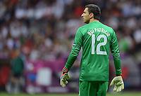 FUSSBALL  EUROPAMEISTERSCHAFT 2012   VIERTELFINALE Tschechien - Portugal              21.06.2012 Torwart Eduardo (Portugal)